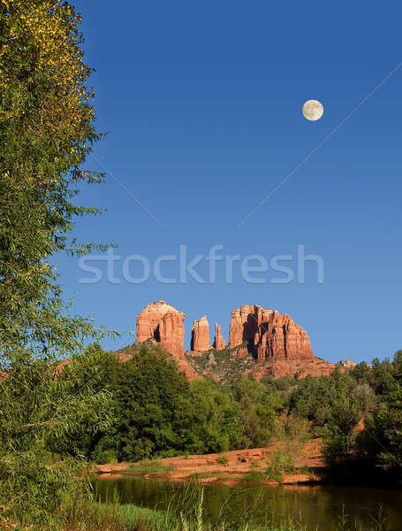 Moon rising over Cathedral Rocks in Sedona Stock photo © backyardproductions