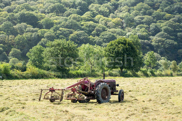 Antique tractor and threshing machine Stock photo © backyardproductions