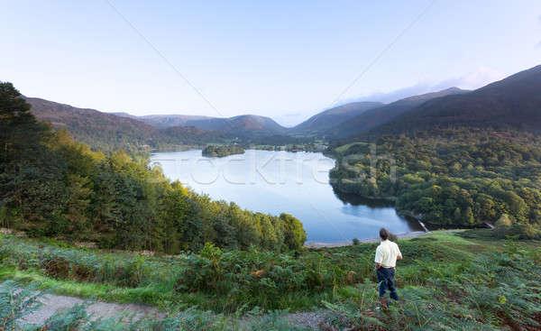 Escursionista all'alba lake district senior uomo sunrise Foto d'archivio © backyardproductions