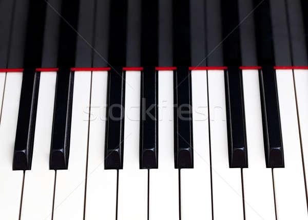 Közelkép zongora billentyűk kép kulcsok hangversenyzongora fa Stock fotó © backyardproductions