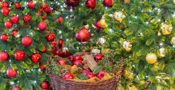 Altın kırmızı süslemeleri noel ağaç parlak Stok fotoğraf © backyardproductions