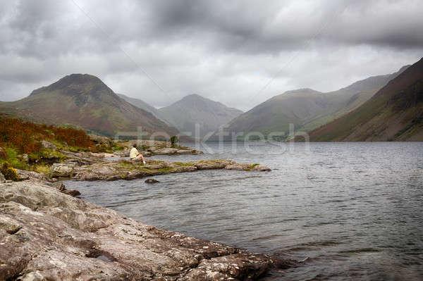 Su İngilizce göller bölgesi bulutlu gün adam Stok fotoğraf © backyardproductions