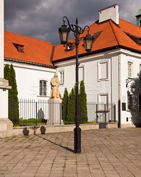 Monnik standbeeld buiten kerk nieuwe Stockfoto © backyardproductions