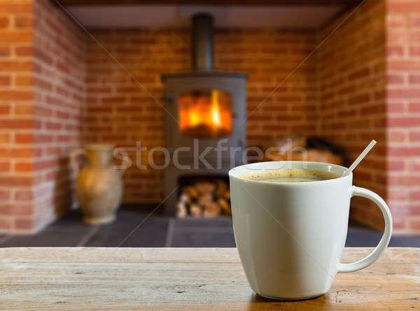 Kahve molası ahşap yanan yangın kahve fincanı ahşap masa Stok fotoğraf © backyardproductions