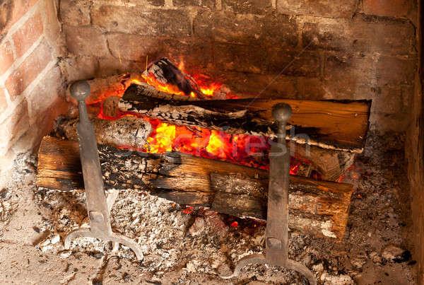 Eski tuğla şömine eski ahşap yangın Stok fotoğraf © backyardproductions