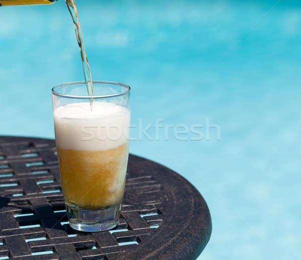 Verre bière table pinte séance bleu Photo stock © backyardproductions