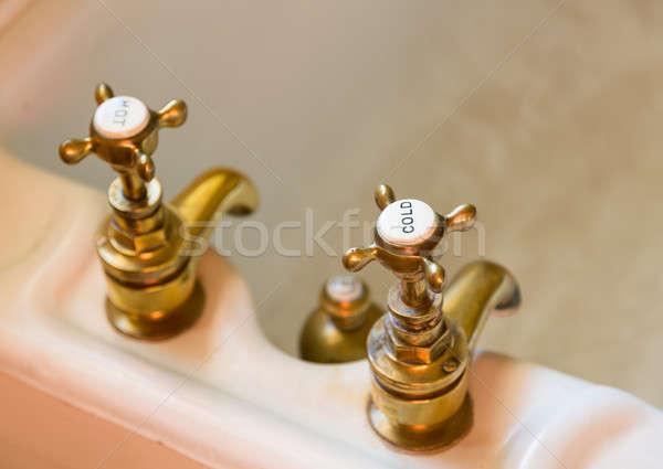 Antique bain vieux chaud froid gravé Photo stock © backyardproductions