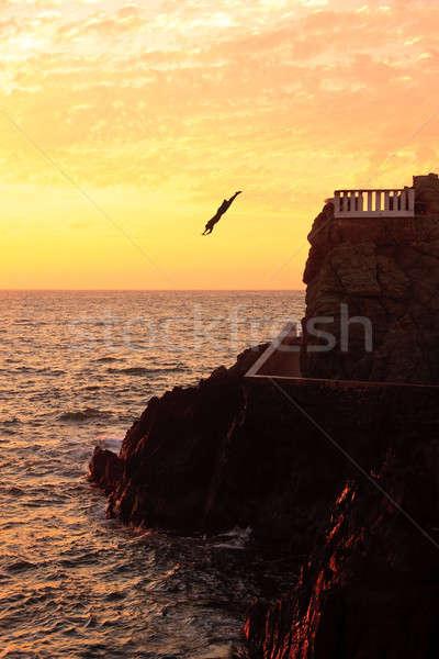 морем Diver молодые прямой погружение Сток-фото © backyardproductions