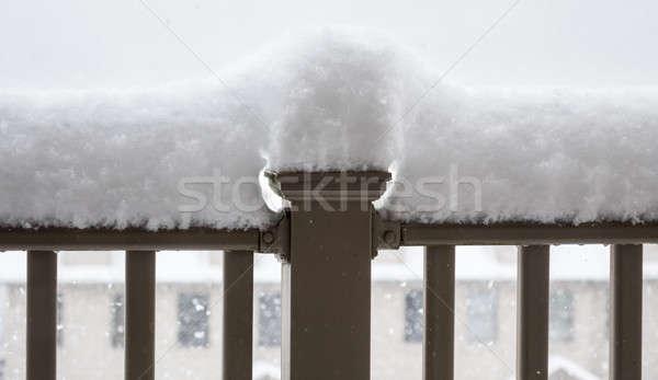 Nieve alto balcón pesado Foto stock © backyardproductions