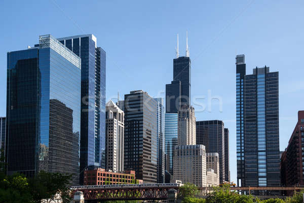 Chicago ufuk çizgisi nehir kule mesafe gökyüzü Stok fotoğraf © backyardproductions