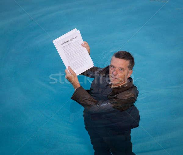 Сток-фото: старший · человека · ипотечный · заем · документа