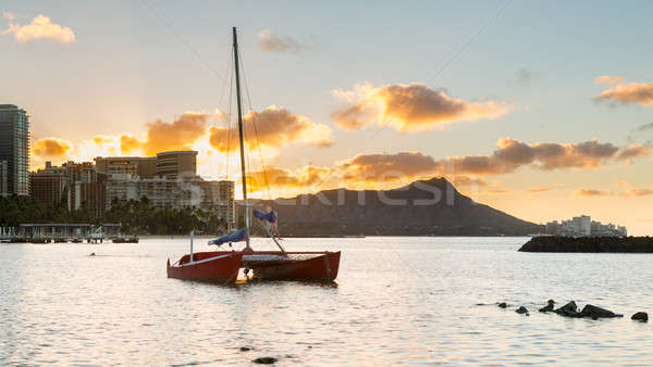 Sunrise over Diamond Head from Waikiki Hawaii Stock photo © backyardproductions