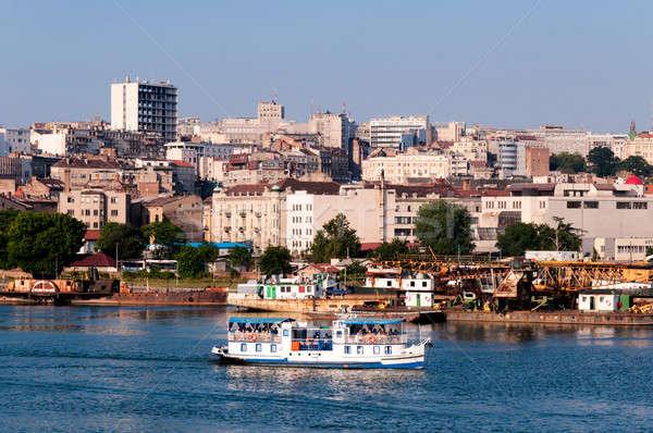 Belgrade été touristiques rivière affaires bâtiment Photo stock © badmanproduction
