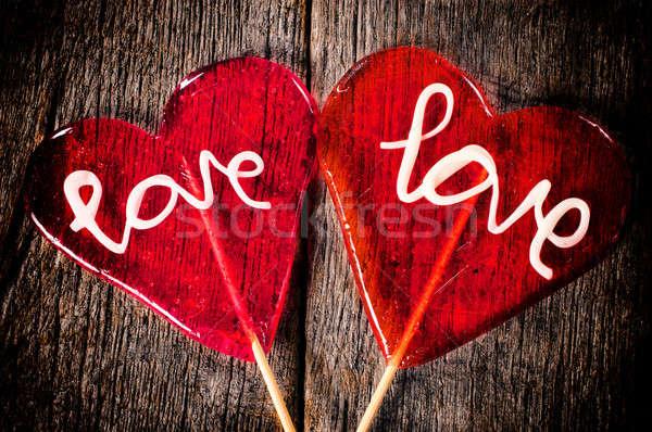 愛 キャンディー カップル 心臓の形態 木製のテーブル テクスチャ ストックフォト © badmanproduction