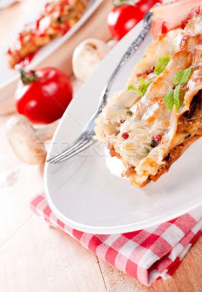 Caseiro lasanha carne cogumelos restaurante queijo Foto stock © badmanproduction