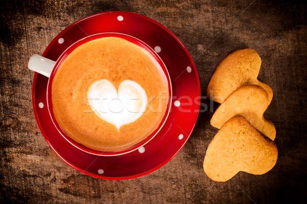Cappuccino cookies tasse forme de coeur coeur enfant Photo stock © badmanproduction