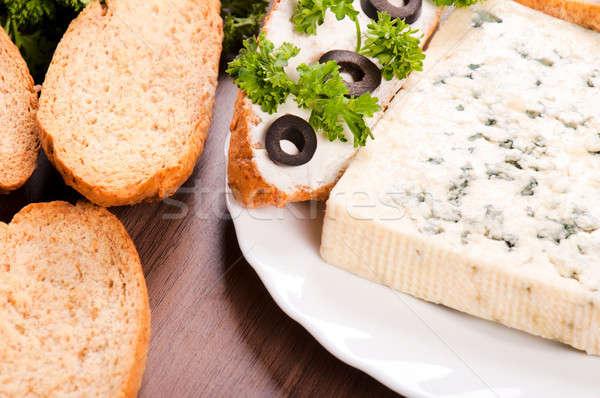 パン ブルーチーズ 新鮮な チーズ ディナー サンドイッチ ストックフォト © badmanproduction