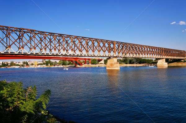 Vieux rail pont Belgrade construction métal Photo stock © badmanproduction