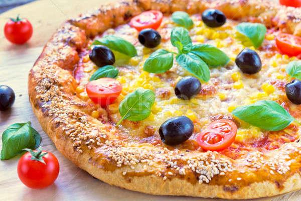 Lezzetli vejetaryen pizza taze odak Stok fotoğraf © badmanproduction
