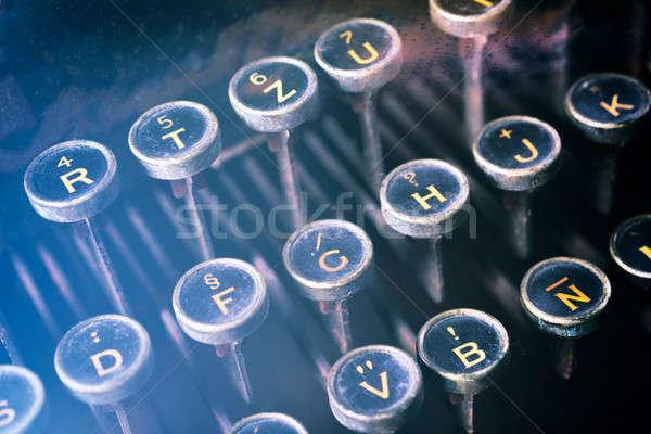 Stock fotó: öreg · gépel · gép · szelektív · fókusz · gomb · iroda