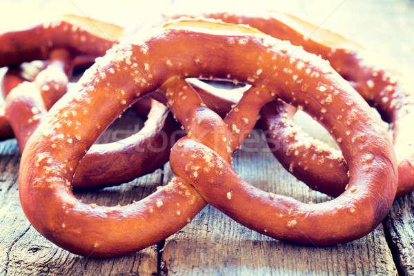 Tuzlu kraker taze ev yapımı geleneksel odak ekmek Stok fotoğraf © badmanproduction