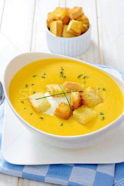 Cremoso calabaza sopa blanco alimentos hoja Foto stock © badmanproduction