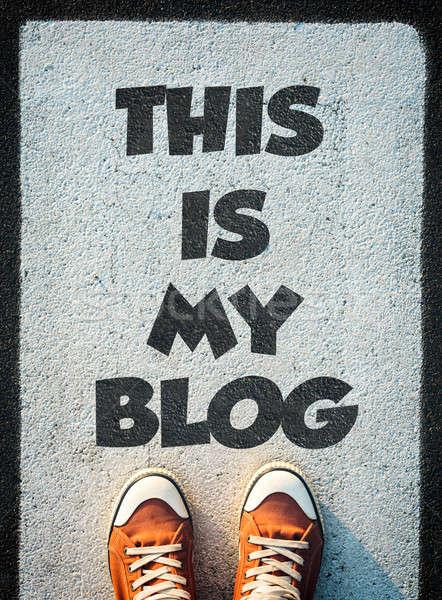 Benim blog kırmızı ayakkabı ayakta imzalamak Stok fotoğraf © badmanproduction