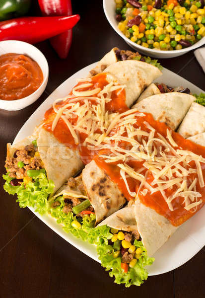 Tortilla sanduíches saboroso mexicano comida saúde Foto stock © badmanproduction