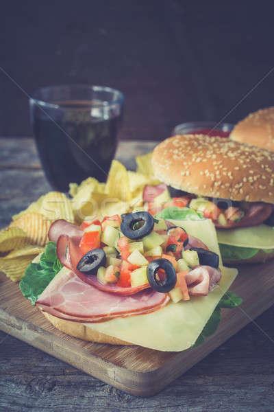 Geserveerd sandwiches sandwich gedroogd varkensvlees vlees Stockfoto © badmanproduction