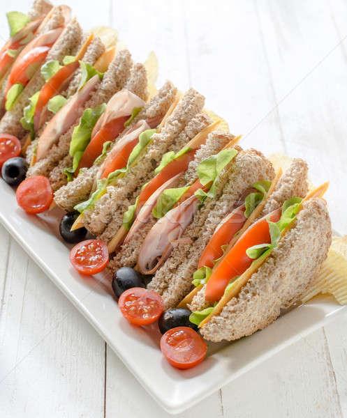 Сток-фото: клуба · Бутерброды · служивший · картофельные · чипсы · ресторан · кафе