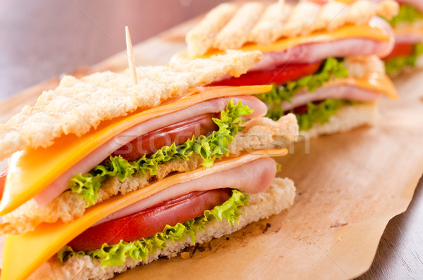 Szendvics idő szelektív fókusz elöl klub szendvics étel Stock fotó © badmanproduction