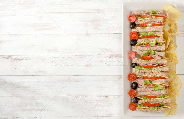 Сток-фото: служивший · клуба · Бутерброды · картофельные · чипсы · продовольствие