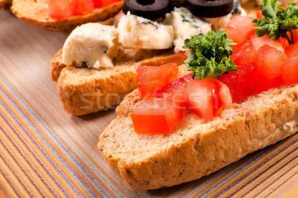 Tomate bruschetta mise au point sélective fraîches alimentaire laisse Photo stock © badmanproduction