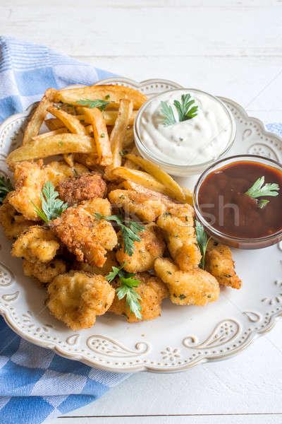 служивший куриные картофель фри французский продовольствие ресторан Сток-фото © badmanproduction