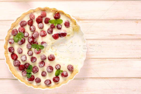 Dulce tarta torta frambuesas mesa de madera Foto stock © badmanproduction