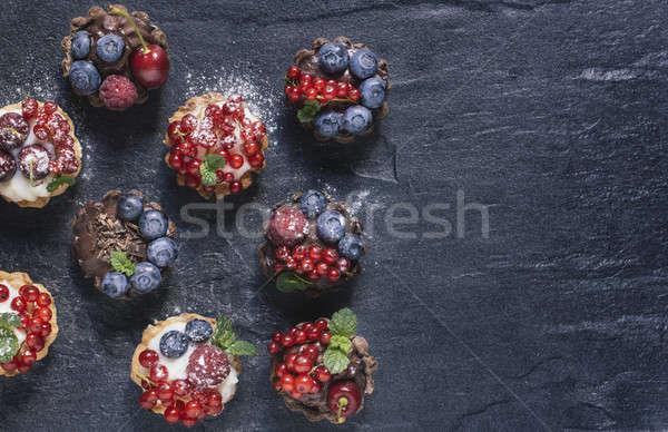 Fatto in casa mini ripieno budino Berry Foto d'archivio © badmanproduction