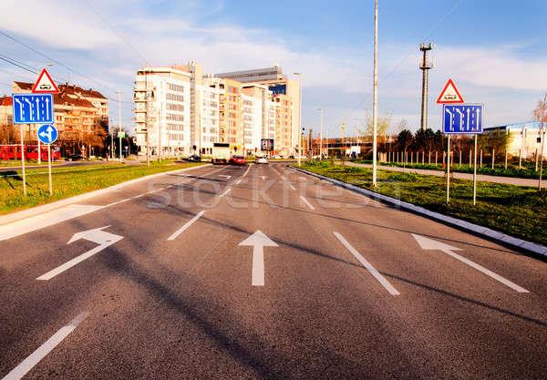 Route signe nouvelle Belgrade rue Photo stock © badmanproduction