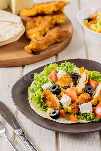 куриные мяса плоская маисовая лепешка хлеб овощей Top Сток-фото © badmanproduction