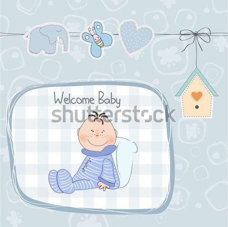 Küçük bebek erkek oynamak oyuncaklar duş Stok fotoğraf © balasoiu