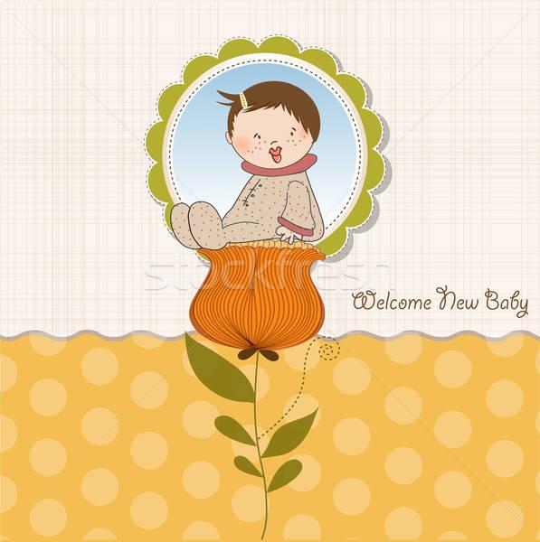 Wenskaart baby vergadering bloem meisje tuin Stockfoto © balasoiu