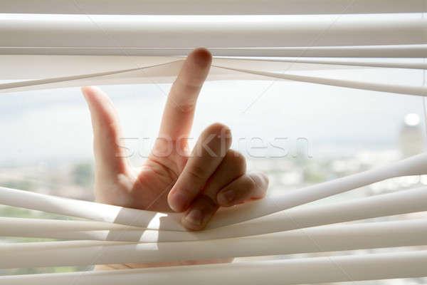 Main ouverture bureau fenêtre regarder blanche Photo stock © Bananna