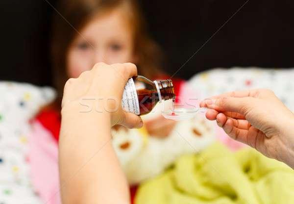 Behandeling hoesten moeder smakelijk siroop Stockfoto © barabasa