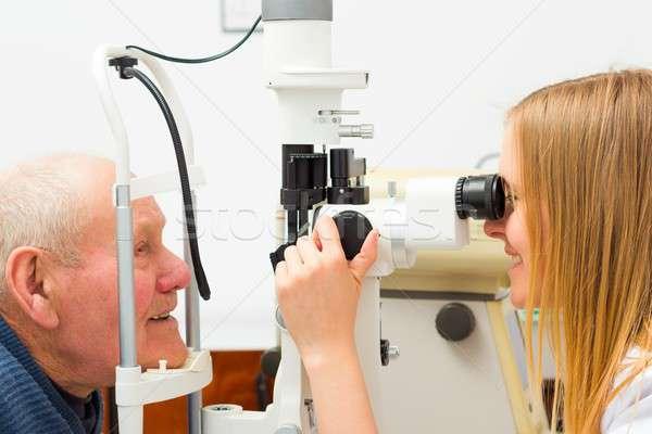 Ouderen patiënt glaucoma oog medische zorg Stockfoto © barabasa