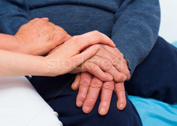 Senior man ernstig ziekte genezing macht Stockfoto © barabasa