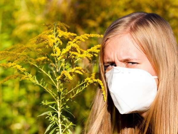 Allergie mooie vrouw medische masker vrouw Stockfoto © barabasa