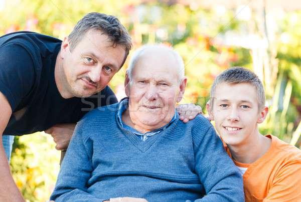 Mannelijke familie drie generaties mannen ouderen Stockfoto © barabasa