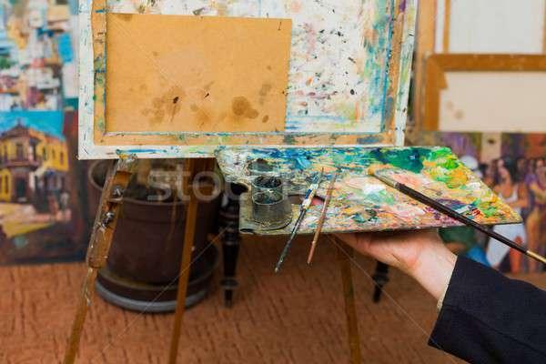 Festék most művész kéz tart paletta Stock fotó © barabasa
