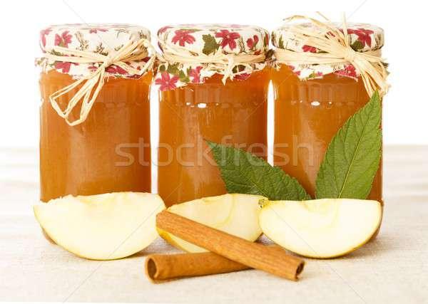 Apetitoso manzana canela vidrio frutas blanco Foto stock © barabasa