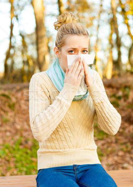 Nariz jovem bela mulher sofrimento gripe Foto stock © barabasa