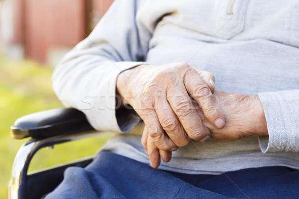 Aposentados vida inválido velho mão homem Foto stock © barabasa